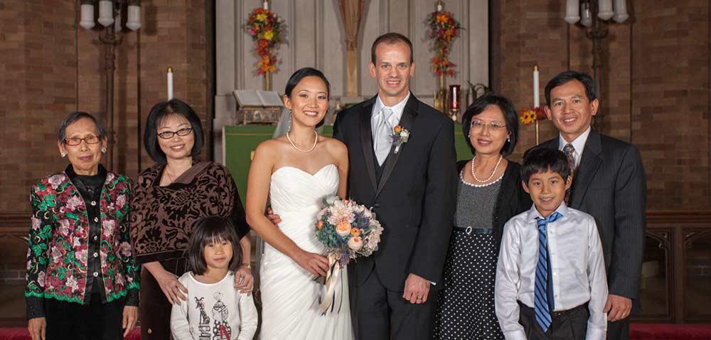 formal-wedding-photo-family-lighting