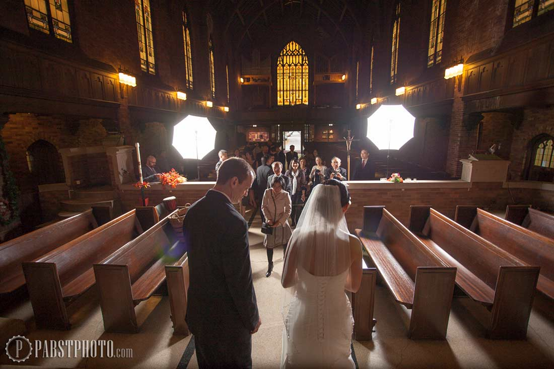 Group Wedding Photography: Taking Large Group Formal Pictures