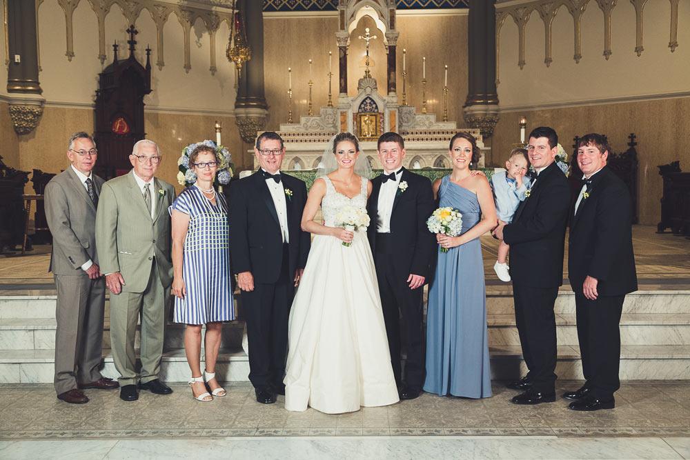 large-group-wedding-portraits