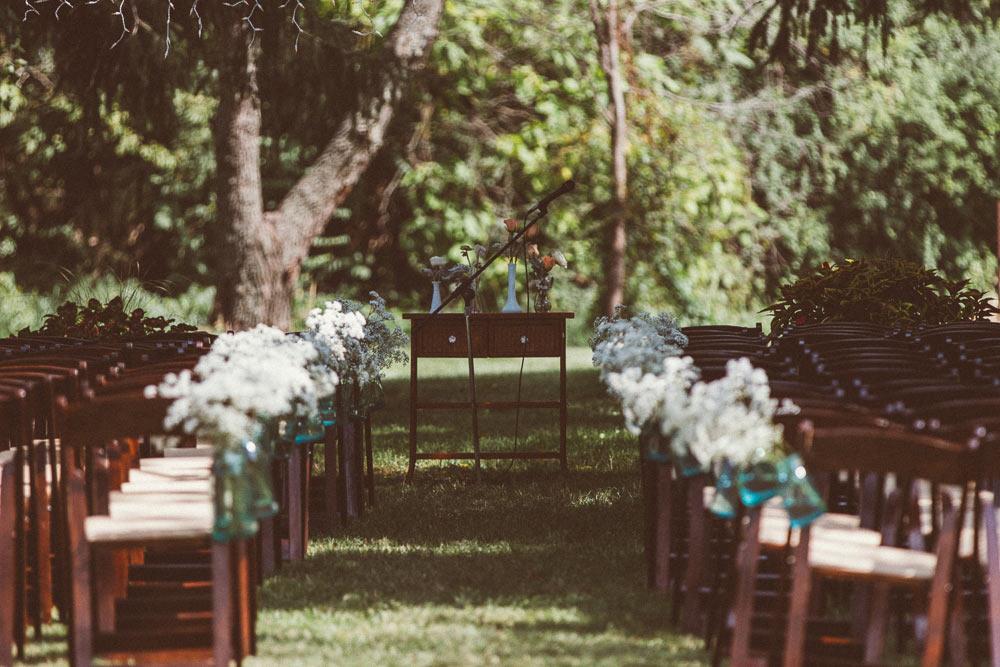 farm-wedding-photography-barn-film-look-(11)