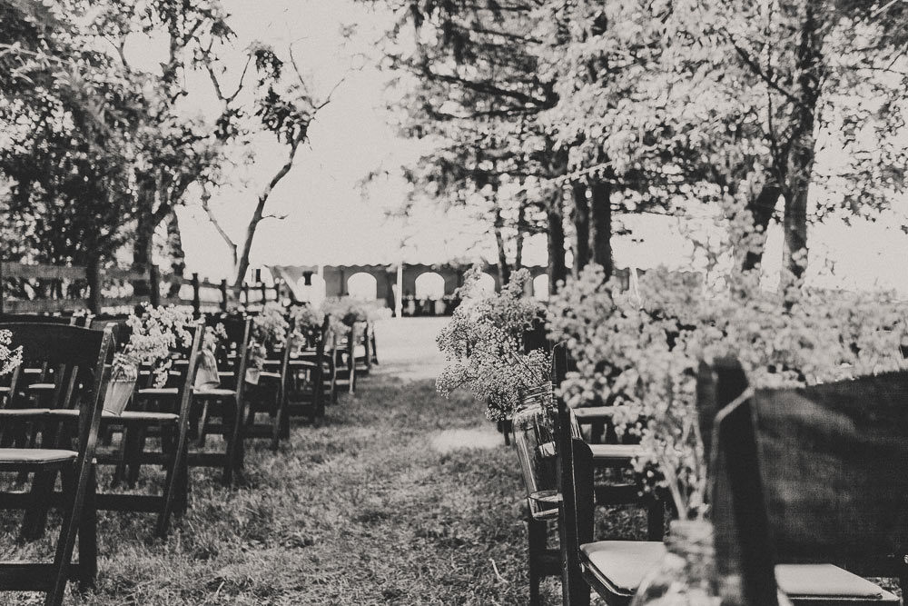 farm-wedding-photography-barn-film-look-(7)